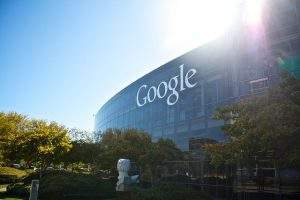 Google seguirá medidas tomadas pelo Facebook
