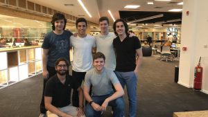 Em pé, da E para D: Bruno Cesconetto, Felipe Santos, Nicolas Delpierre, Thiago da Costa. Agachados, da E para D: Thiago Balducci e João Perpetuo (Foto: Divulgação)
