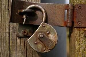 "Os anunciantesconseguiram passar o bloqueio ao trocar ""cryptocurrency"" (criptomoeda) por ""c-currency"" (Foto: Pixabay)"