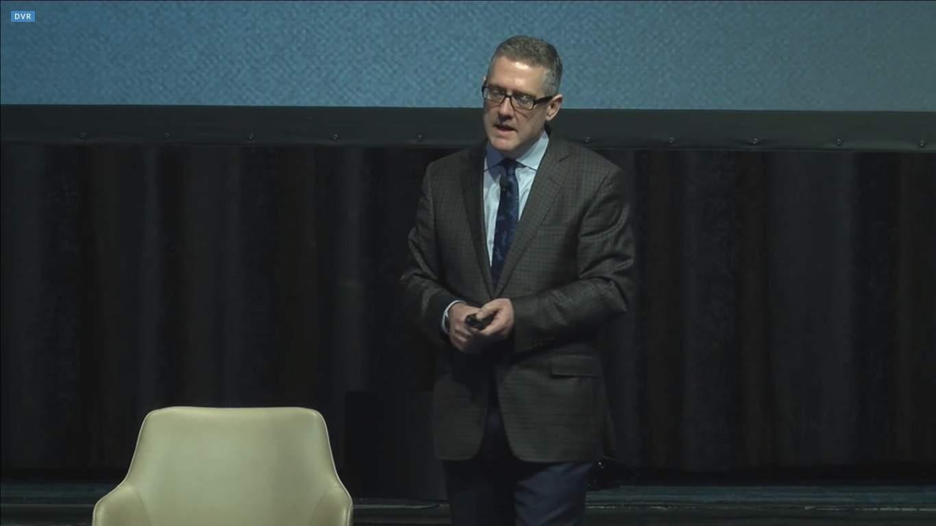 Jim Bullard durante a palestra no evento (Foto: Reprodução)