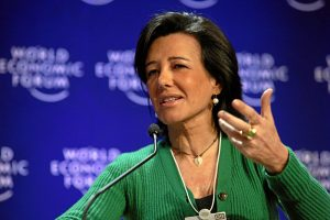 Presidente do Santander, Ana Botín, durante conferência (Foto: World Economic Forum/Wikimedia)
