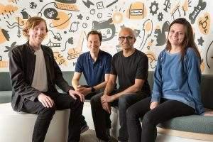 hris Wanstrath (à esq.), CEO e cofundador do GitHub_ Nat Friedman, vice-presidente corporativo de Serviços de Desenvolvedor da Microsoft_ Satya Nadella, CEO_ e Amy Hood, diretora financeira da Microsoft (Foto: Divulgação)