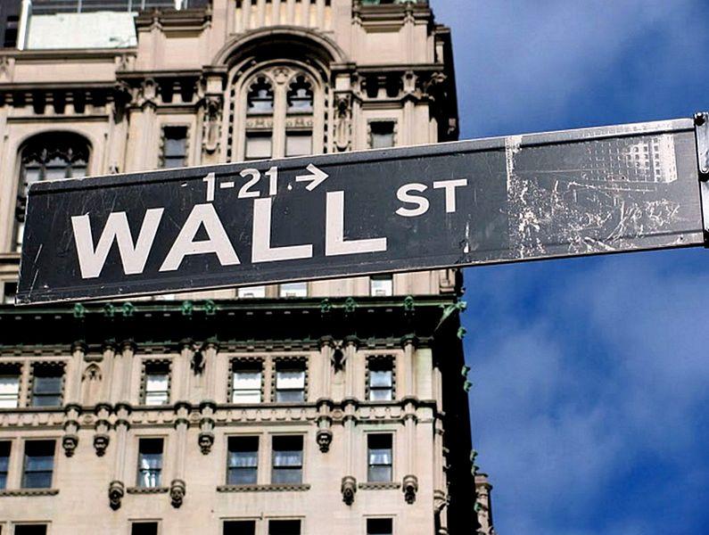 Placa de Wall Street, centro financeiro dos EUA (Foto: Benoît Prieur/Wikimedia)
