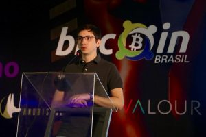 Rafael Steinfeld, advogado e CEO da Bitwolf, durante palestra na Bitconf Summer (Foto: Marília Camelo/Portal do Bitcoin)