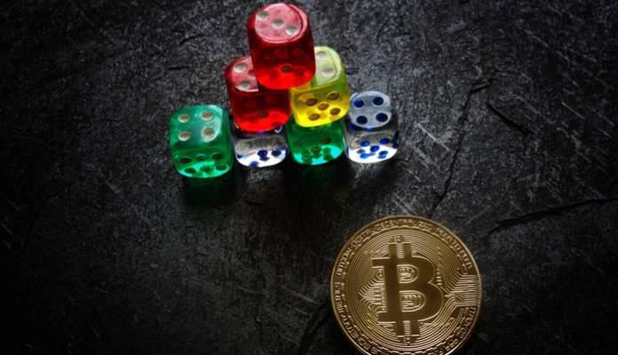 Esquema de Pirâmide com bitcoin