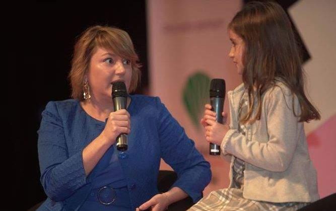 Sofia Casero no palco da conferência (Foto: Divulgação)
