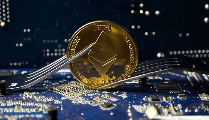 Hard fork Constantinople é adiado e preço do ETH cai 6,5% após descoberta de vulnerabilidade (Foto: Shutterstock)