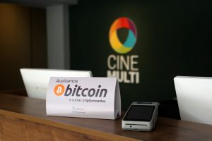 Sala de cinema em Florianópolis aceita bitcoin e criptomoedas