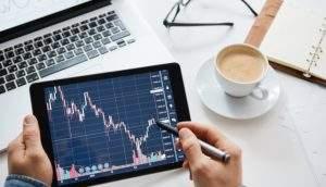 Encontro em São Paulo ensina sobre investimentos em ações e criptomoedas