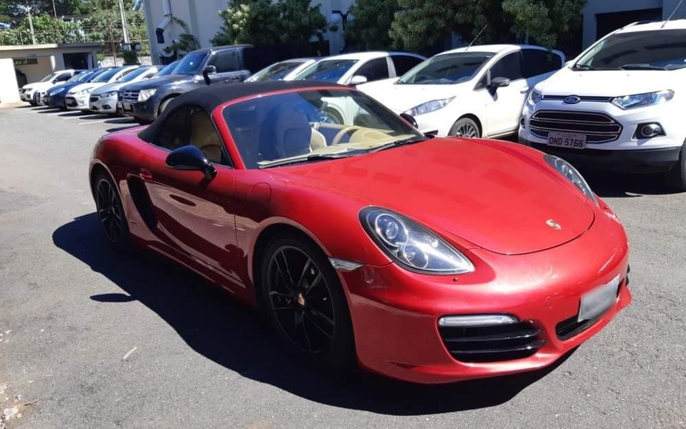 (Porsche apreendido pela polícia em condomínio de Goiânia. Imagem: Divulgação/Polícia Civil)