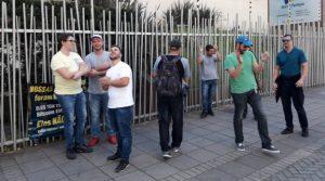 Bitcoin Banco recebe clientes com saques travados, mas protesto fracassa