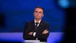 Cinco projetos no Congresso tentam revogar decisão de Bolsonaro que vetou blockchain no Exército