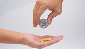 Três maneiras de não ficar rico com bitcoin e criptomoedas em 2020