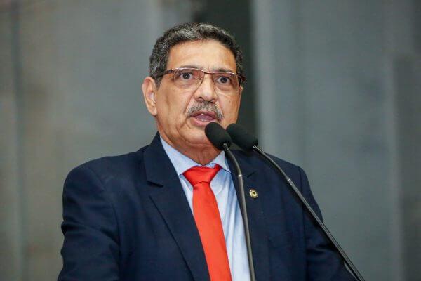 Deputado do Partido Comunista do Brasil cita FMI para falar da ameaça das criptomoedas aos bancos