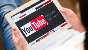 YouTube bane canal do Bitcoin.com, de Roger Ver, e volta atrás