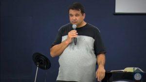 Sócio de corretora brasileira que levantou milhões e fechou vira pastor evangélico em Portugal