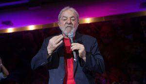 """""""Sou a favor de imprimir moeda, não tem risco de inflação"""", diz ex-presidente Lula no Twitter"""