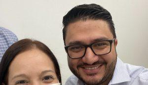 Joselit Ramírez com jornalista venezuelana (Foto: MARBELLIS LINARES/TWITTER )