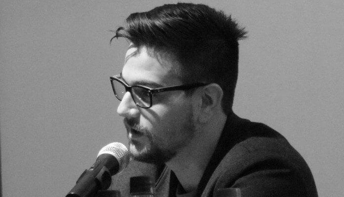 """O sociólogo Edemilson Paraná, autor do livro """"Bitcoin: a utopia tecnocrática do dinheiro apolítico"""""""