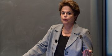 CVM: relator diz que Dilma deve pagar R$ 300 mil em caso ligado à Petrobras, e votação é adiada