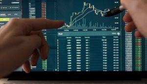 Cursos de Day Trade inundam mercado; especialistas ensinam como escolher