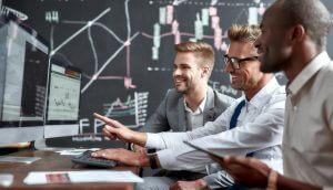 Investidores de Wall Street monitoram Reddit e Twitter para entender novos traders, diz Bloomberg