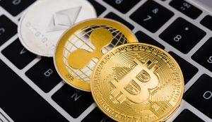 Ethereum (ETH), Ripple (XRP) e Bitcoin (BTC) - Foto: Shutterstock