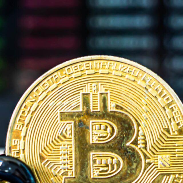 Bitcoin completou 12 anos; veja a evolução do preço