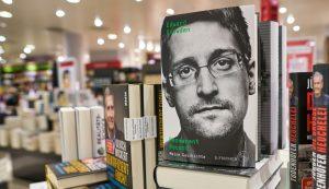 Edward Snowden bitcoin
