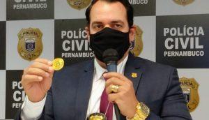 Delegado Paulo Berenguer em coletiva de imprensa (Foto: Divulgação/Polícia Civil de Pernambuco)