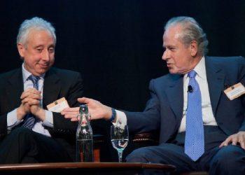 Economista Pérsio Arida (E) e  Mario Garnero (BrasilInvest Group) (Foto: Ben Hider/Financial Times/Flickr)