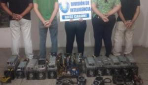 Minerados de bitcoin presos pela polícia venezuelana (Foto: Divulgação)