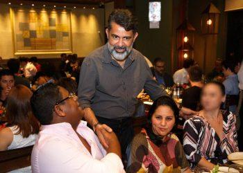 Glaidson, com o Rei do Bitcoin e a esposa Mirelis Yoseline Diaz Zerpa (Foto: Divulgação)
