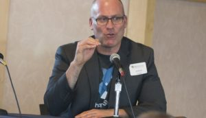 Joshua Sroge é o novo diretor da corretor nos EUA (Foto: Universidade do Colorado/Divulgação)