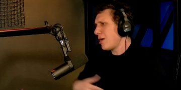 Samy Dana durante o programa que admitiu o erro (Foto: Reprodução\Youtube(
